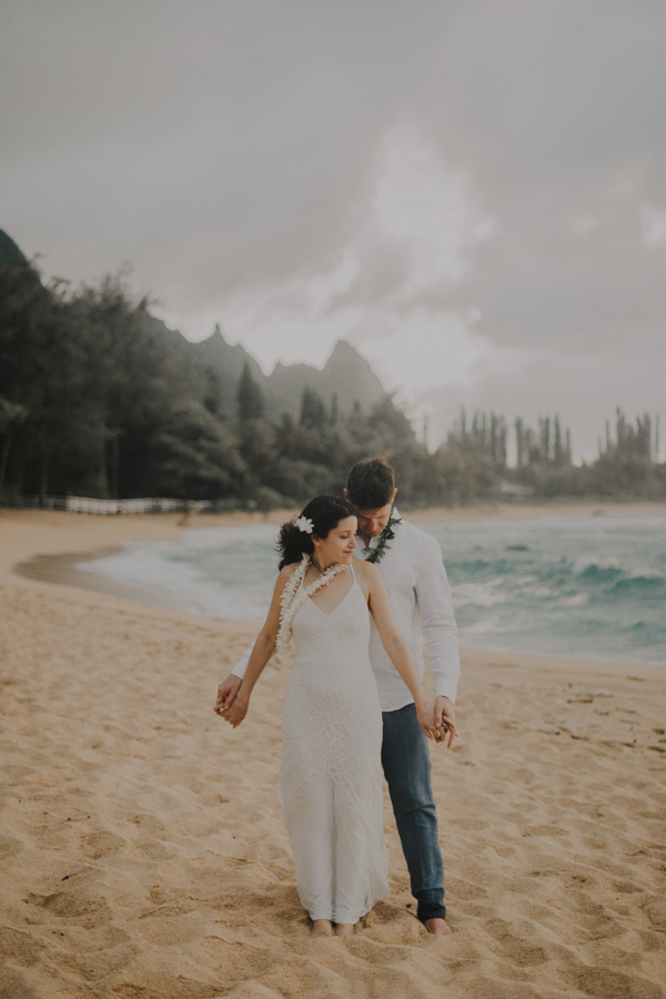 kauai elopement tunnels beach-68
