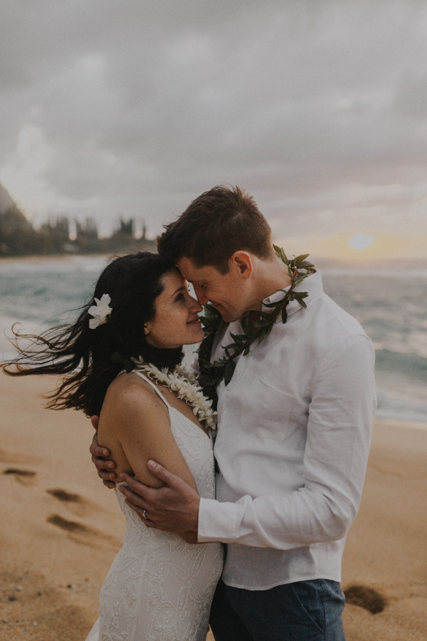 kauai elopement tunnels beach-73