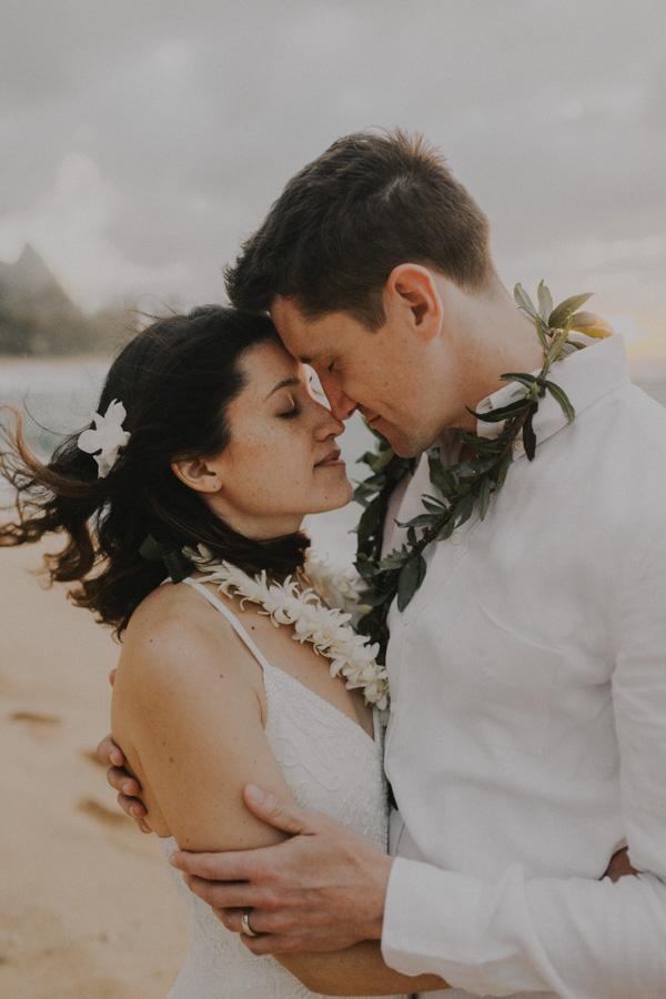 kauai elopement tunnels beach-74
