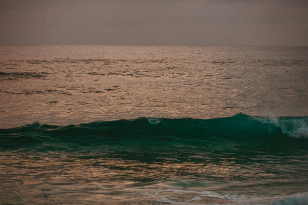 Kauai lifestyle photographer shipwrecks beach couples photography
